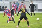 Přepeřští fotbalisté si ze hřiště pětinásobného mistra vezou vysokou porážku 0:7.