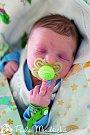 MARTIN DRÁŽNÝ se narodil rodičům Zdeňkovi a Martině 12. prosince v 16.18 hodin v Jilemnici. Vážil 2, 98 kilogramu a měřil 49 centimetrů. Má sourozence Tomáše a Petru. Rodina je z Dolní Branné.