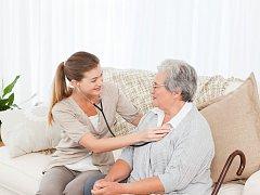 PROJEKTY ERA, které se ucházejí o vaši přízeň, mohou pomoci například klientům Jedličkova ústavu v Liberci a týmu lékařů a sesterDomácí hospicové péče sv. Zdislavy.