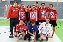 VÍTĚZNÝ TÝM BONDUEL nejprve v semifinále vyřadil favorizované Torzo legie a ve finále pak uspěl po penaltách.