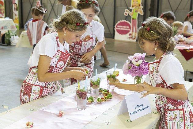 Tým malých kuchařek z Trutnovska si do Prahy přijel pro zlaté vavříny.