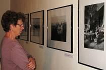 PO STOPÁCH SARAJEVA je výstava v Krkonošském muzeu v Jilemnici.  Můžete si zde prohlédnout mnoho exponátů včetně map, novinových výstřižků i fotografií.