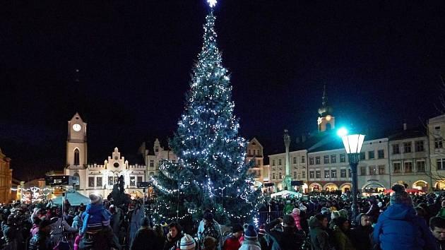 Rozsvěcování vánočního stromu v Trutnově