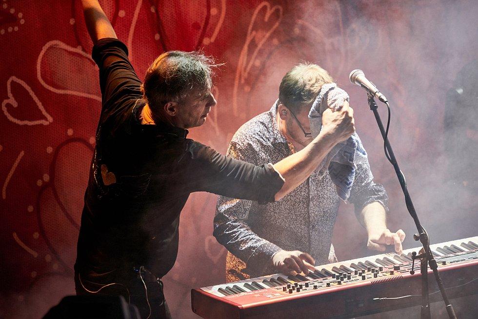 Koncert kapely MIG 21 v trutnovském Uffu.