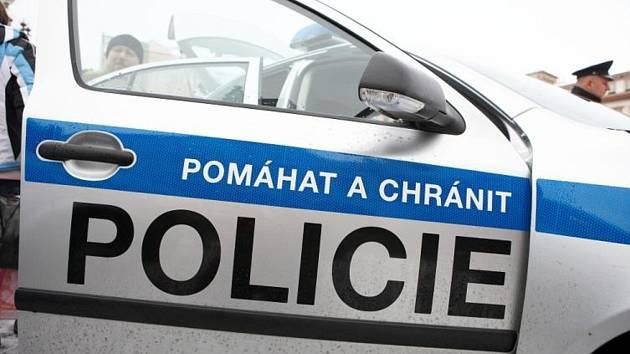 Policisté pátrají po zloději, který odcizil ve Špindlerově Mlýně vůz Volkswagen Transporter i přívěsný vozík.