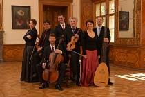 Na Kuks zavítá rakouský tenorista a orchestr Ensemble Inegal.