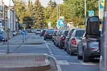 V Trutnově kolabuje doprava, ve městě se tvoří dlouhé kolony.