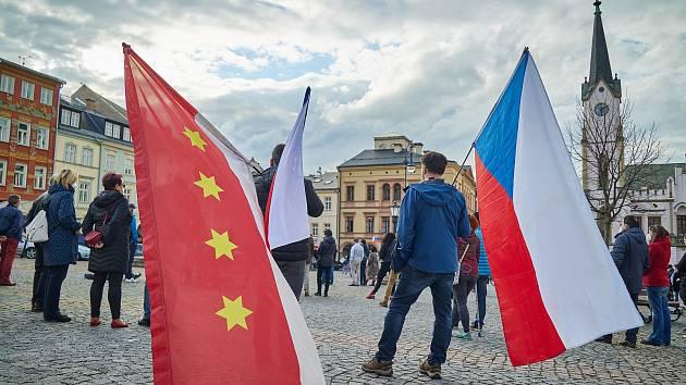 V Trutnově se bude v úterý znovu demonstrovat, tentokrát se účastníci sejdou v městském parku.