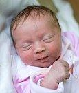 KAROLÍNKA se narodil Lucce a Tomášovi 1. ledna v 7.39 hodin. Vážila 3,25 kilogramu a vážila 45 centimetrů. S rodiči a sestřičkami Zuzankou a Terezkou bude bydlet ve Valteřicích.