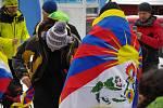 S vlajkou Tibetu šli na Sněžku.
