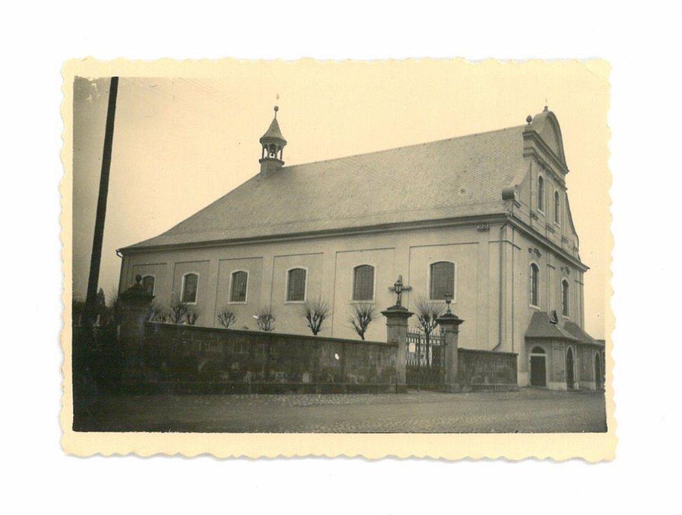 Klášterní kostel v roce 1937.
