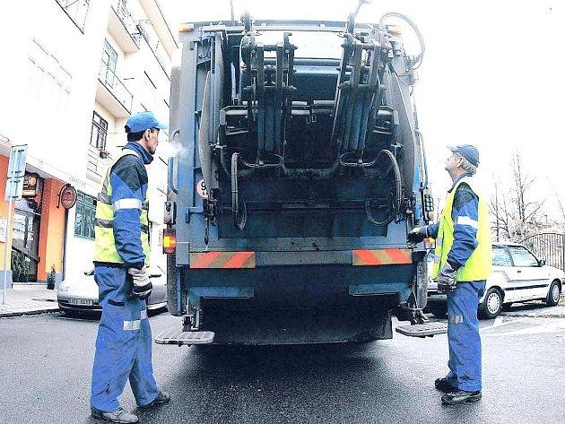 AREÁL VYUŽIJÍ Technické služby pro parkování techniky, která nyní stojí na pronajatých plochách.