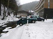 Nehoda v Peci pod Sněžkou.
