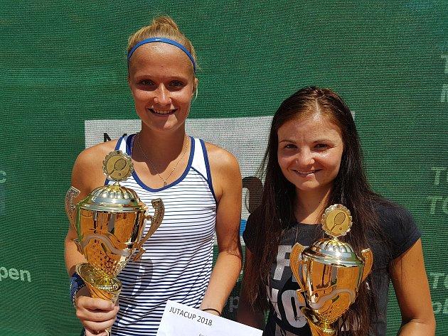 Finalistky dvouhry 18. ročník JUTA cupu Tereza Polanská a Monika Svobodová.