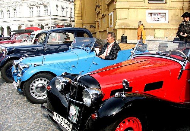 30. výročí Veteran car clubu Dvůr Králové - závod Než vypustíme vodu z chladiče