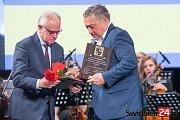 Trutnovský starosta Ivan Adamec byl ve Svidnici oceněný zvláštní cenou.
