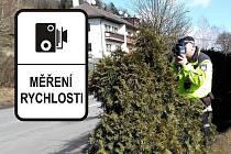 Městská policie Trutnov pravidelně informuje veřejnost na sociálních sítích, kde se chystá měřit rychlost. Neobvyklou aktivitu strážníci vyšperkovali, když zavolali do rádia na linku řidičů.