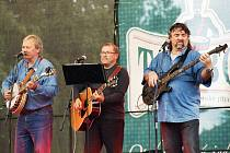 V PÁTEK V PIVOVARU zahraje na oslavě pátého výročí Královédvorského piva Tambor i místní country skupina Phobos.