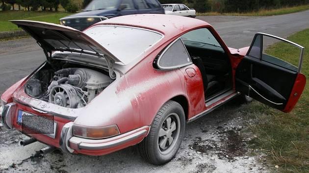 Ohořelé Porsche