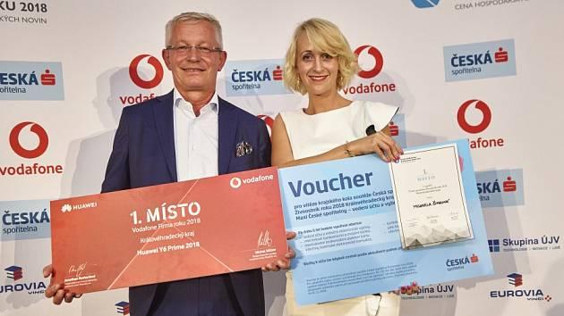 Rudolf Kasper (Firma roku) a Michaela Šimková  (Živnostník roku) při slavnostním vyhlášení.