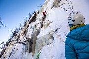 Přírodní ledopád v Labském dole patří vyznavačům ledolezení.