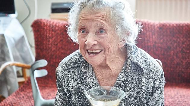 Ludmila Jakoubková z Trutnova slaví 100 let.