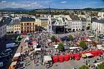 Krakonošovo náměstí patřilo v neděli Trutnovskému jarmarku.