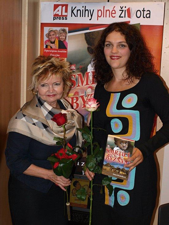 Známé české osobnosti s trutnovskou spisovatelkou bojují proti smrtícímu byznysu.