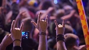 Hudební a sexuální show při festivalu Obscene Extreme v Trutnově