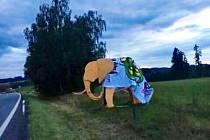 Slon dohrál hokejové derby. Trutnovští fanoušci na něj pověsili ukradené choreo