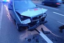 V Trutnově se srazila tři auta, nikdo naštěstí nebyl zraněn.