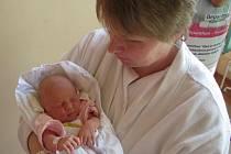 PETRA KAČEROVÁ se narodila 28. listopadu ve 12 hodin a 2 minuty rodičům Lence a Milanovi. Vážila 3,28 kilogramu a měřila 47 centimetrů. Spolu s brášky Michalem a Tobiáškem bude doma v Trutnově.