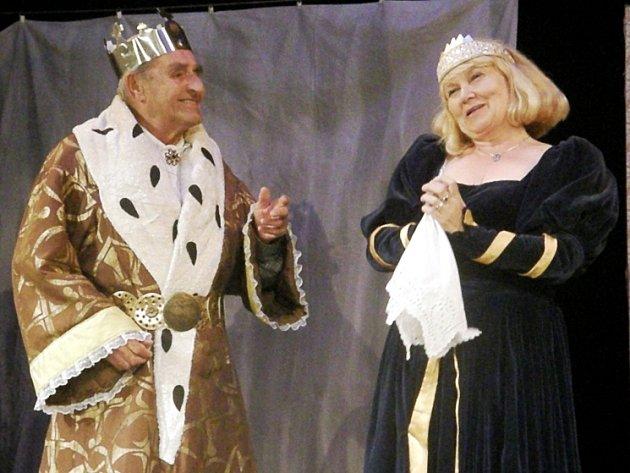 POHÁDKU Jana Jílka na motivy Erbenovy předlohy nastudovali divadelníci z Lomnice nad Popelkou.
