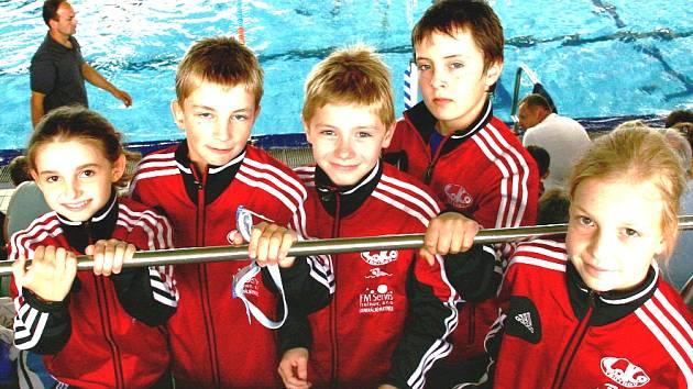 Mladíci posbírali v bazénech osm cenných kovů