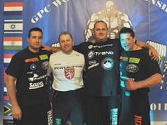 Petr Hron (druhý zleva)