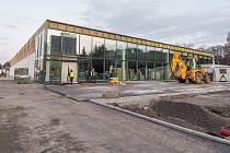 Stavba nové prodejny Lidl v Trutnově rychle pokračuje.