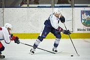 Hokejový duel 2. ligy Trutnov - Letňany (3:2).