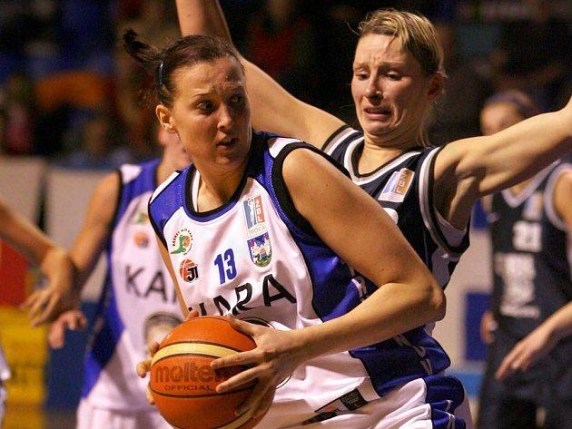 Trocal ŽBL: Kara Trutnov - BK Lokomotiva Karlovy Vary.