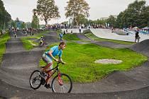 Trutnov má nový skatepark a pumptrack.