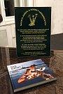Ze slavnostního křtu znovu vydané knihy Sen Safari.