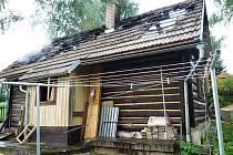 Požár roubenky v Lomnici nad Popelkou