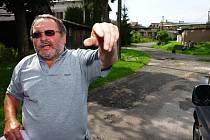 Plánovaná stavba mladobucké rezidence je trnem v oku hlavně obyvatelům dotčené lokality. Založili  sdružení a chtějí bojovat  proti  všem sporným bodům záměru.  Problémy v území vysvětloval člen sdružení Stanislav Suchánek.
