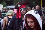 Festival Obscene Extreme je i pestrou směsicí fanoušků, kteří často přijíždí v různých kostýmech.