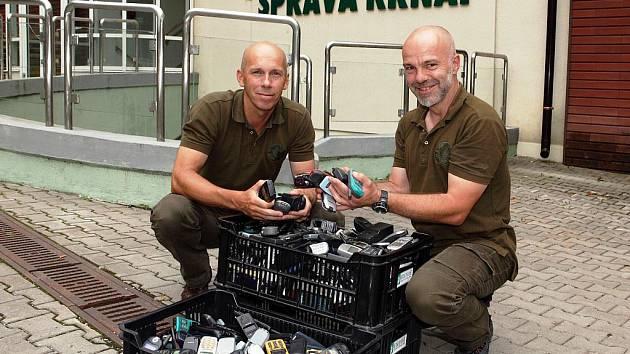 Sbírka mobilů na pomoc gorilám je úspěšná