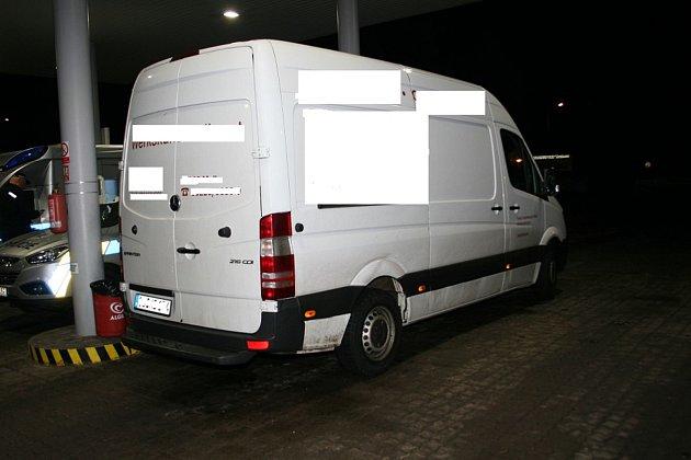 Němec převážel auto s nákladem za miliony, je ve vazbě.