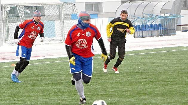 Ve Vrchlabí vrcholí Partners Zimní fotbalová liga starých gard.