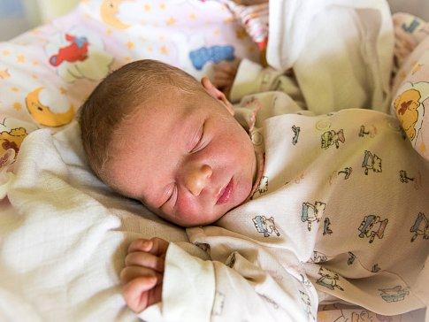 ANEŽKA HYLMAROVÁ se narodila Ivaně a Martinovi v jilemnické porodnici 17. října ve 12.49 hodin. Vážil 3,35 kilogramu a měřil 50 centimetrů. Doma v Peřimově čeká už také bráška Štěpánek.