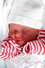 VALÉRIE HOLAKOVSKÁ se narodila 14. února v 10.45 hodin Haně a Lukášovi. Vážila 2,55 kg a měřila 46 centimetrů. Doma v Mladých Bukách už čekají i sourozenci Michaela a Matyáš.