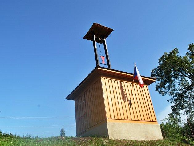 V Suchovršicích slavnostně znovuotevřeli husitskou zvonici