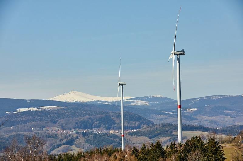 Větrné elektrárny ve Zlaté Olešnici.